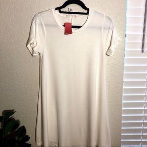 NWT White t-shirt dress Forever21